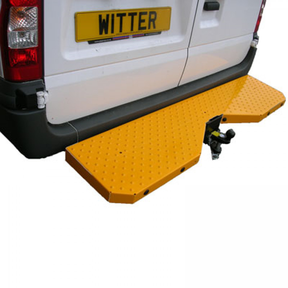 Witter Full Width Towbar Step (Yellow) for Ford Transit Vans 2000-2014 (RWD only) with Stud Grip